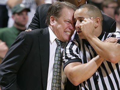 Tom Izzo with a ref